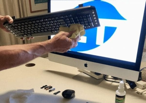 safely cleaning keyboard